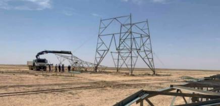 Damaged high-voltage pylons which cut off the power supply to the city of Al-Qaim (Al-Naba' weekly, Telegram, December 10, 2020)