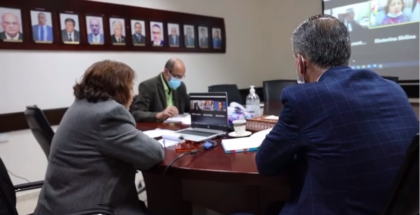 The Palestinian minister of health on a Zoom chat with Russian representatives for the purchase and supply of the Russian vaccine (Facebook page of the ministry of health in Ramallah, December 30, 2020).