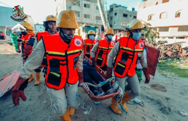 Evacuating and extracting casualties in a simulation of an Israeli attack against targets in the Gaza Strip