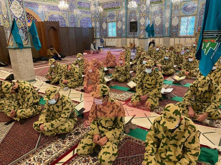 Qur'an-reading evening held by the Lebanese Companies at the Sayyida Khawla Shrine in Baalbek (Twitter account of Muhammad al-Ghad, December 28, 2020).