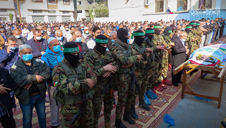 Funeral service held in the Jabalia refugee camp for an operative of Hamas' military wing (Izz al-Din Qassam Brigades website, January 11, 2021).