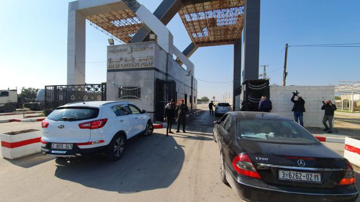 The Palestinian organization delegations leave the Gaza Strip through the Rafah Crossing en route to Cairo (al-Quds, February 7, 2021).