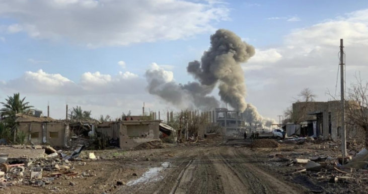 Smoke rising from the site of the explosion south of Deir ez-Zor (@DeirEzzor24 Twitter account, February 3, 2021)