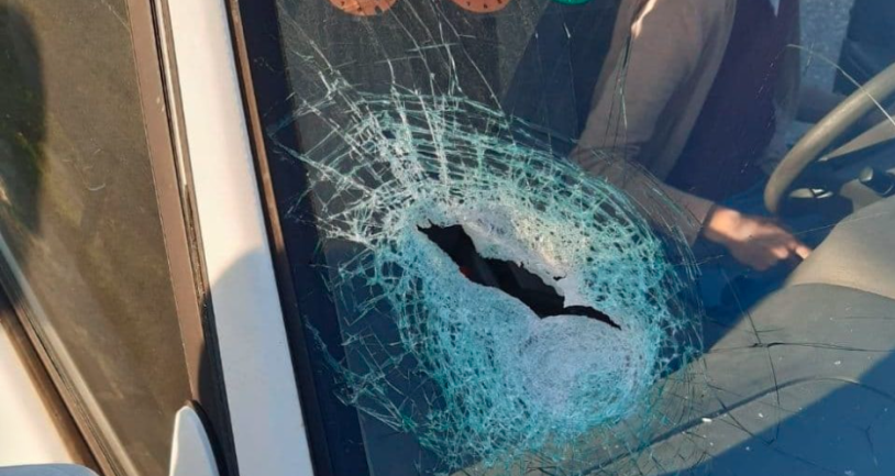 Vehicles damaged by stones (Right: QudsN Facebook page, February 12, 2021.