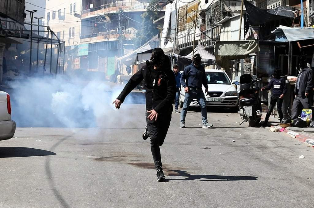 Riots in Hebron during a rally marking the 27th anniversary of the massacre int the Cave of the Patriarchs (Palinfo Twitter account, February 27, 2021).