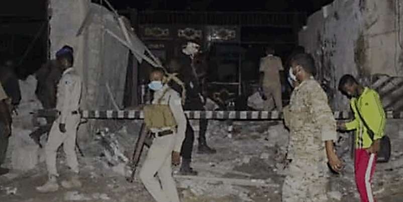 The scene of the car bomb explosion in Mogadishu (Shahada News Agency, which is affiliated with the Al-Shabaab movement, March 6, 2021)