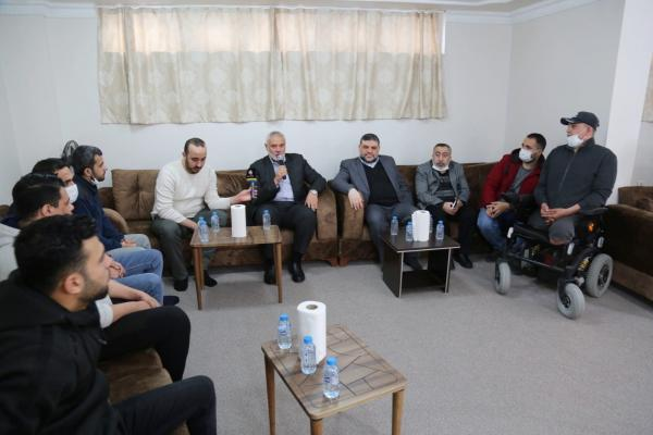 Isma'il Haniyeh visits wounded Palestinians hospitalized in Turkey (Hamas website in Arabic, March 13, 2021).