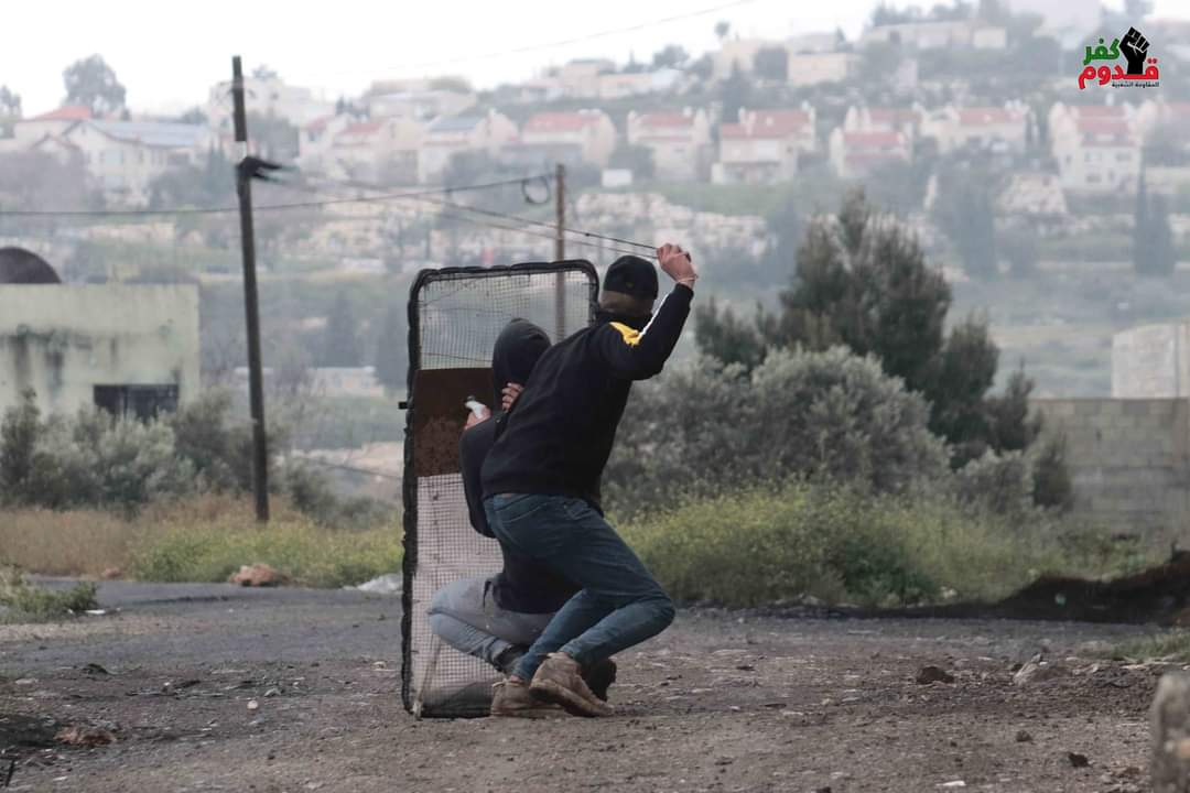 The weekly Palestinian riot in the village of Kafr Qadoum (east of Qalqilya) (Fatah Facebook page, April 2, 2021).