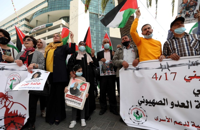 Support for Palestinian Prisoners Day in Bethlehem (right) and Nablus (left) (Wafa, April 18, 2021).