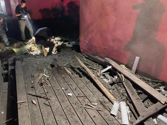 Rocket fire damage in one of the Israeli communities near the Gaza Strip (QudsN Facebook page, May 10, 2021).