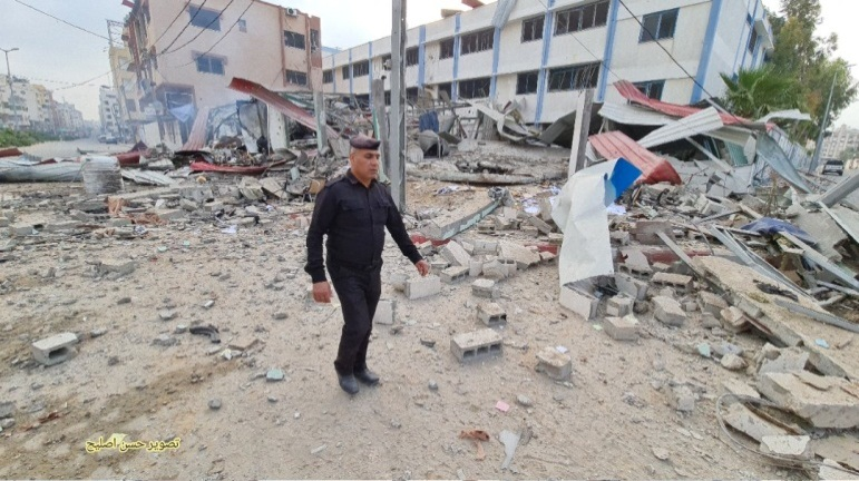 Attack on a site in the Tel al-Hawa neighborhood in Gaza City (Twitter account of journalist Hassan Aslih, May 11, 2021).