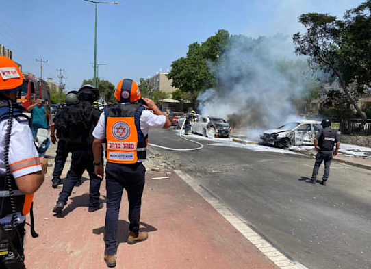 Right: Direct hit on a house in Givatayim in the greater Tel Aviv area (QudsN Facebook page, May 11, 2021). Left: Direct hit on a vehicle in Ashqelon (Magen David Adom spokesman's unit, May 11, 2021).