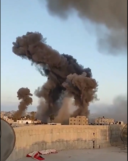 IDF attacks in the Gaza Strip (Palinfo Twitter account, May 12, 2021)