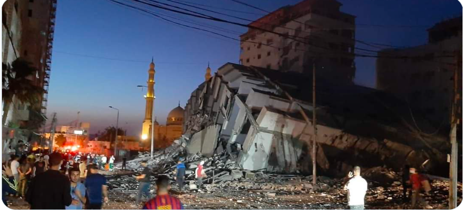 Hanadi Tower in Gaza City after IDF attack (Twitter account of journalist Hassan Aslih, May 11, 2021).