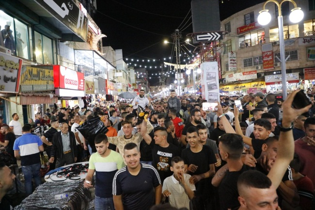 Protest demonstrations in Jericho (left) and Jenin (right) (Wafa, May 11, 2021).