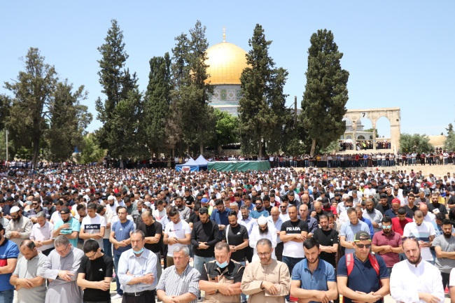 The last Friday prayer of the month of Ramadan on the Temple Mount (Wafa, May 7, 2021)