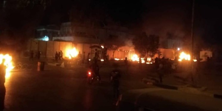 Protesters set fire to the entrance to the Iranian consulate in Karbala. (Fars, May 9)