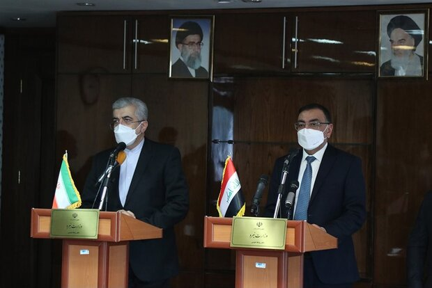 The Iranian minister of energy and Iraqi minister of electricity during a meeting in Tehran. (Mehr, May 2)