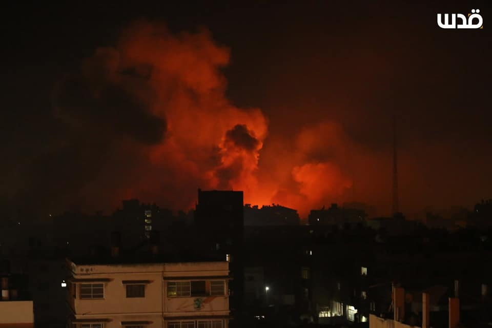 IDF attack before dawn (QudsN Facebook page, May 16, 2021).