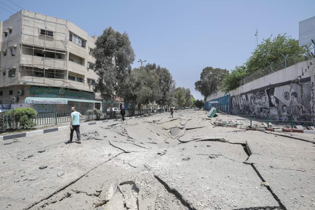 Attack on Gaza City infrastructure: roads (Palinfo Twitter account, May 17, 2021).