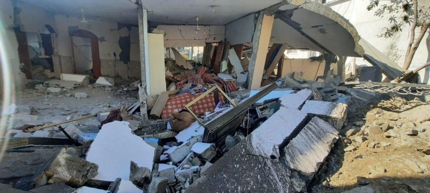 The house after the attack (QudsN Facebook page, May 19, 2021).