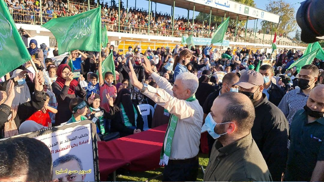 Yahya al-Sinwar, head of the Hamas political bureau in the Gaza Strip, attends the memorial rally for the casualties of Operation Guardian of the Walls (Palinfo Twitter account, May 24, 2021).