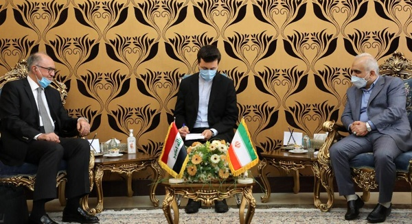 The meeting between the Iranian minister of economy with the Iraqi minister of finance. (Tasnim, May 29)