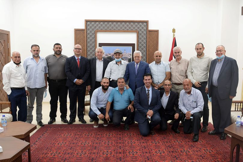 Mahmoud Abbas meets with a delegation of residents from Sheikh Jarrah and Silwan (Mahmoud Abbas' Facebook page, July 14, 2021).