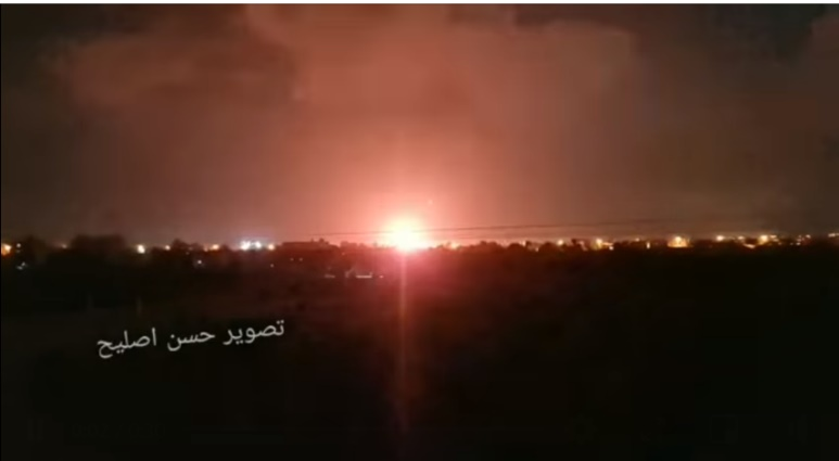 The Israeli Air Force attack in eastern Khan Yunis (Twitter account of journalist Hassan Aslih, July 25, 2021).