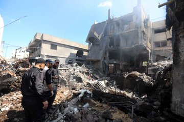 The aftermath of the explosion in the center of Gaza City (Twitter account of journalist Ashraf Abu Amra, July 22, 2021).