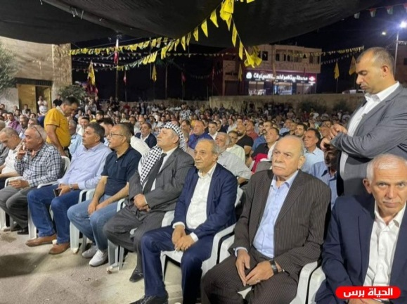 Majid Faraj, head of Palestinian general intelligence (seated, third from right) heads a delegation from the Hebron and Bethlehem districts in a condolence call to Bayt Ummar (al-Hayat Press, July 31, 2021).