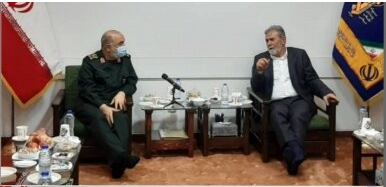 Ziyad al-Nakhalah (right) with the Iranian Revolutionary Guards Corps commander (IRNA in Persian, August 9, 2021).