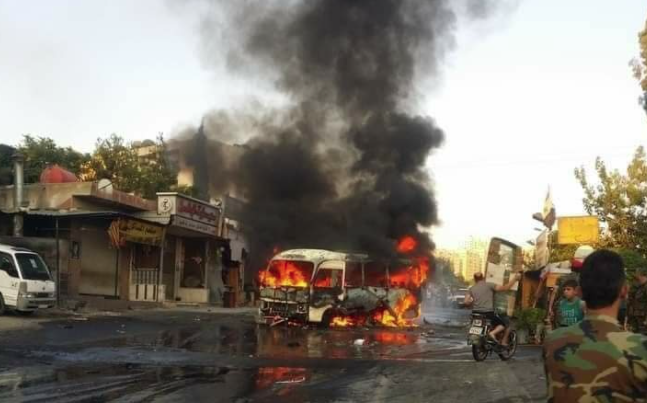 The bus going up in flames (Ninar FM, August 4, 2021).