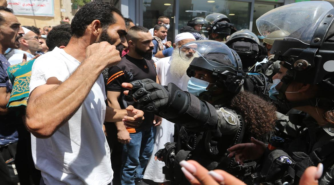 Hebron residents clash with Israeli security forces (Wafa, August 13, 2021).