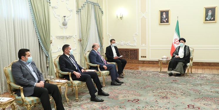 The meeting between the Iranian president and Iraqi minister of foreign affairs. (Fars, August 10)